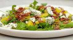 Slaatje met sinaasappel, roquefort, spek en gembervinaigrette | Dagelijkse kost