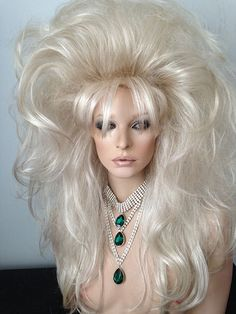 Drag Queen Wig, Creamy Blonde