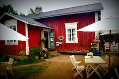 Farmors Cafe in the small village of Högsåra in the Finnish Archipelago.    #Högsåra #Finland #cafe #farm #food