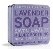 Zachte lavendelzeep. Verpakt in een mooi tinnen doosje.
