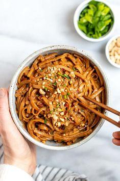 Peanut Butter Noodles Recipe, Spicy Peanut Noodles, Spicy Ramen Noodles, Szechuan Noodles, Thai Drunken Noodles, Cold Noodles, Sesame Noodles, Peanut Sauce, Rice Noodles
