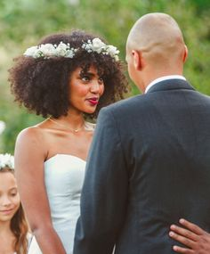 civil wedding hairstyles Ideas for nature wedding hairstyles afro Natural Hair Wedding, Wedding Hairstyles Natural Hair, Natural Hair Brides, Curly Wedding Hair, Wedding Updo, Prom Hair, Beautiful Hairstyles, Elegant Hairstyles, Wedding Beauty