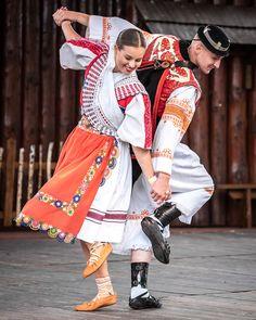 Bratislava, Costumes Around The World, Beautiful People, Amazing People, Beautiful Places, Folk Clothing, Beautiful Costumes, Dance Art, Folk Costume