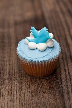 #Twitter cup cake #internetlover