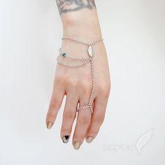 Bold Bracelet Triple Chain Choose your own color bead, Gypsy Gladiators Hand Chain Finger Bracelet Slave Bracelet Hand Jewelry, Body Jewellery, Cute Jewelry, Jewelry Art, Slave Bracelet, Hand Bracelet, Handmade Bracelets, Handmade Jewelry, Beaded Bracelets