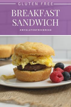 A delicious gluten free breakfast sandwich for an easy, nutritious breakfast! Even when you have no time to make anything for breakfast, you can warm up a breakfast sandwich and head out the door. #glutenfreebread #glutenfreerecipes #glutenfreebreakfast #breakfastfordinner Healthy Gluten Free Bread, Gluten Free Bagels, Gluten Free Biscuits, Gluten Free Snacks, Gluten Free Breakfasts, Gourmet Sandwiches, Sandwiches For Lunch, Best Breakfast Recipes, Brunch Recipes