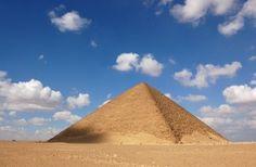 Pirâmide Vermelha de Snefru - construída para substituir a Pirâmide Curvada. Dahshur - Egito