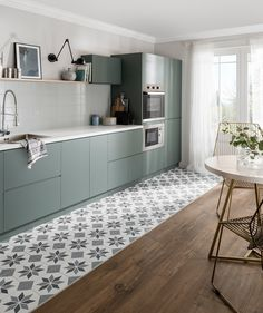 Kitchen trends 2019 – stunning and surprising kitchen design trends and ideas for the new year Home Trends design trends 2018 home Kitchen Room Design, Modern Kitchen Design, Home Decor Kitchen, Interior Design Kitchen, Kitchen Furniture, Home Kitchens, Life Kitchen, Small Kitchens, Rustic Kitchen