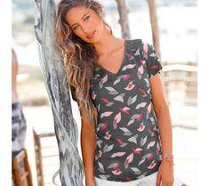 "Tričko s výstrihom do ""V"", potlačou a macramé   modino.sk #modino_sk #modino_style #style #fashion #blancheporte Floral Tops, T Shirt, Fashion, Woman Clothing, Fashion Styles, Supreme T Shirt, Moda, Tee Shirt, Top Flowers"