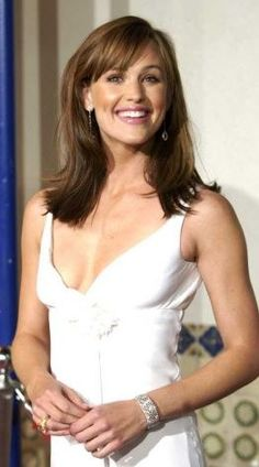 Jennifer Garner wearing Cathy Waterman jewellery/'Reverso Bracelet'