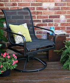 Have you tried to paint metal patio furniture? I did and man do I have a great tip for you. Just use spray paint and you can paint the mesh fabric too!