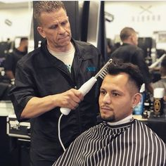 Trying to get that hair growth back? Come and try our high frequency Tesla machine at one of our locations. Will stimulate hair growth and give you that line up or fullness youve been missing! Here is @davelongendyke trying it on one of our Van Nuys students!