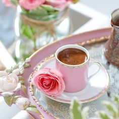 Nadire Atas on Cafe , Tea, Desserts and Lovely Flowers Top 70 Romantic Good Morning Messages For Lover (With Images) Sunday Coffee, Good Morning Coffee, Coffee Cafe, Coffee Break, Morning Love, I Love Coffee, My Coffee, Brown Coffee, Romantic Good Morning Messages