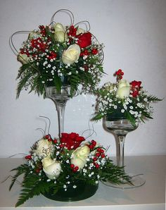 DIY Wedding Decorations on a Budget - Floral Centerpieces Check out the awesome tutorial for diy wedding centerpieces on a budget below learn how to create your very own, tall, e. Wedding Table Centerpieces, Christmas Centerpieces, Flower Centerpieces, Flower Vases, Flower Decorations, Table Decorations, Christmas Arrangements, Centerpiece Ideas, Valentine Flower Arrangements