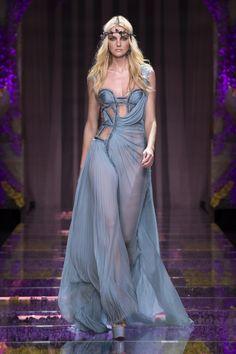 Versace Couture autumn/winter 15 show pictures | Harper's Bazaar