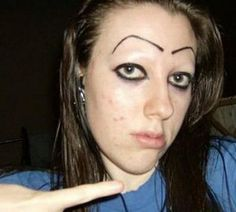 Oh girl, no. 12 sets of bad eyebrows you have to see to believe. So funny and sad at the same time Funny Eyebrows, Bad Eyebrows, How To Draw Eyebrows, Worst Eyebrows, Eye Brows, Tattooed Eyebrows, Eyeliner, Bad Makeup Fails, Haha