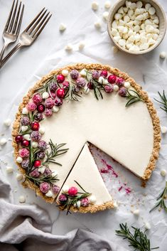 cookie butter pie Wow you guests with this delightful White Chocolate Cranberry Tart. Perfectly creamy with just the right amount of tartness from the cranberry filling. Christmas Cooking, Christmas Desserts, Holiday Treats, Christmas Treats, Holiday Recipes, Christmas Party Food, Christmas Appetizers, Holiday Cakes, Christmas Cheesecake
