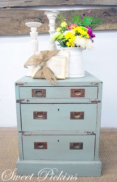 painted & distressed furniture