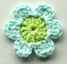 Crochet Small Flower, Crochet Flower Tutorial, Crochet Flower Patterns, Crochet Motif, Crochet Flowers, Crochet Collar, Crochet Leaves, Crochet Gifts, Small Flowers