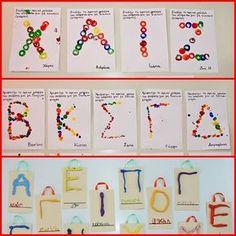 1.Τυπώματα με εσωτερικούς κυλίνδρους από χαρτοταινίες ταμειακών μηχανών    2. Δακτυλοτυπώματα    3.Με πλαστελίνη κολλημένη σε ... Pre Writing, Writing Activities, Literacy, Back To School, Names, Letters, Holiday Decor, Blog, Advent Calendar