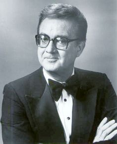 Photo: Steve Allen, The Steve Allen Show Poster : Hollywood Men, Classic Hollywood, Allen Show, Steve Allen, Celebrity Deaths, Reaching For The Stars, Vintage Tv, People Of The World, Famous Faces