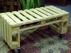 Pallet Bench on Wheels - 40+ Dreamy Pallet Ideas to Reuse old Pallets   99 Pallets - Part 4