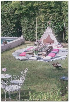 61 Amazing Outdoor Summer Party Decorations Ideas 61 Amazing Outdoor Summer Party Decorations Ideas for the summer party, garden party or wedding DIY for crafting from . Picnic Birthday, Garden Birthday, 30th Birthday, Outdoor Tea Parties, Summer Party Decorations, Summer Party Themes, Party Summer, Summer Garden Parties, Garden Decoration Party