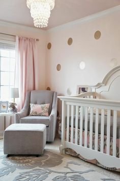 babyzimmer farben helle farben florale motive teppich