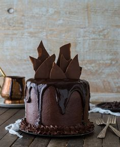 This Chocolate Chocolate Cake is amazing! With chocolate cake, chocolate…