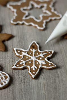 Jak zrobić lukier? Jak dekorować pierniki? Wonderful Time, Vegetarian Recipes, Sugar, Cookies, Kitchen, Christmas, Food, Crack Crackers, Xmas