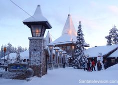 Weihnachtsmanndorf und Polarkreislinie in Rovaniemi in Finnisch-Lappland