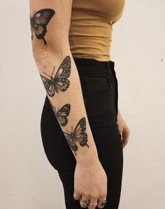 Our Website is the greatest collection of tattoos designs and artists. Search for more Butterfly Tattoo designs. Dream Tattoos, Future Tattoos, Body Art Tattoos, New Tattoos, Small Tattoos, Girl Tattoos, Tatoos, Piercings, Piercing Tattoo
