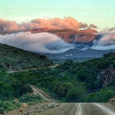 Die berge buite Graaff-Reinet, South-Africa Photo by Beautiful Roads, Beautiful Places, Namibia, Vacation Places, Africa Travel, Places Around The World, Small Towns, Places To See, South Africa