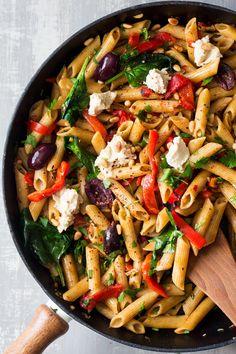 vegan red pepper pasta pan