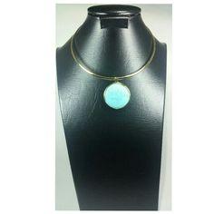 Dije bañado en oro de 24 k piedra magnesita  de color azul