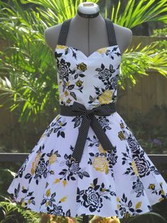 Roses Apron with a hint of Black  Unique  Only by AquamarCouture