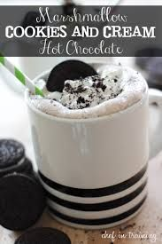 50 Amazing Oreo Desserts (Marshmallow Cookies and Cream Hot Chocolate) Dessert Oreo, Dessert Drinks, Yummy Drinks, Dessert Recipes, Yummy Food, Oreo Desserts, Healthy Food, Fast Easy Dinner, Fast Dinner Recipes