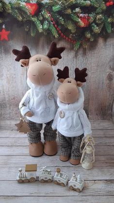 Christmas Crafts, Christmas Decorations, Fabric Dolls, Doll Toys, Textile Art, Art Dolls, Diy And Crafts, Nursery, Projects