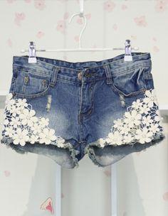 Korean Style Slim Pearl Lace Flower Short Jeans
