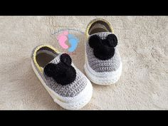 Crochet Mickey Mouse Shoes For Baby - We Love Crochet Crochet Mickey Mouse, Mickey Mouse Shoes, Mickey Mouse Cupcakes, Mickey Cakes, Mouse Cake, Minnie Mouse, Crochet Case, Love Crochet, Crochet For Kids