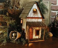 Google Image Result for http://www.fanaticscountryattic.com/fpdb/images/Birdhouse_Old_with_Light_drk_Gallery.JPG