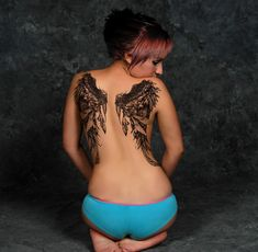 so pretty! i want to get full wings on my back sooo bad but i know that would hurt way too much AND be extra expensive lol