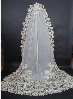 1900s Cathedral length Battenburg lace veil
