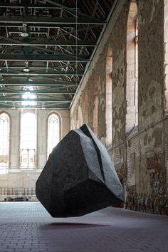 Poliart Polistirolo: Esplorando il Rapporto tra Arte Contemporanea ed Ambientazione
