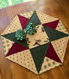 Christmas Burgundy Green & Beige Pieced and Quilted Holly