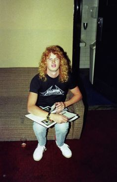 Dave Mustaine - old school. METALLICA SHIRT...probably before he was fired up ?