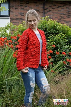 Pick your favorite shade for this easy crochet granny square cardigan which provides surface interest through bobble stitches that look great even when made all in one color. The pattern is free, it comes in 9 sizes & includes a YouTube video as well. Crochet Granny, Double Crochet, Easy Crochet, Single Crochet, Free Crochet, Crochet Cardigan Pattern, Crochet Patterns, Crochet Ideas, One Color