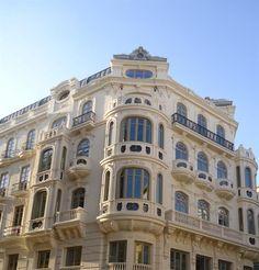 Façade restaurée sur la Plaza Nueva, Malaga - Costa del Sol (Espagne)