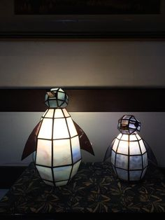 Penguin Lamps, could be cute for a baby room! All About Penguins, Cute Penguins, Penguin Party, Penguin Love, Chandeliers, Spirit Animal, Stained Glass, Birds, Lights
