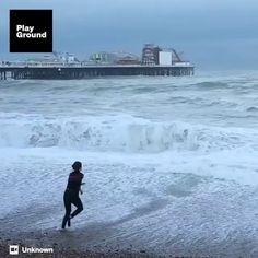 """22.6 mil Me gusta, 762 comentarios - TUTORIALS👑 (@tutorialesvideos) en Instagram: """"Por:@chancera2.0 Sin pensarlo ¿lo haría... Ustedes?"""" Beach, Water, Outdoor, Instagram, Make Envelopes, Gripe Water, Outdoors, The Beach, Beaches"""